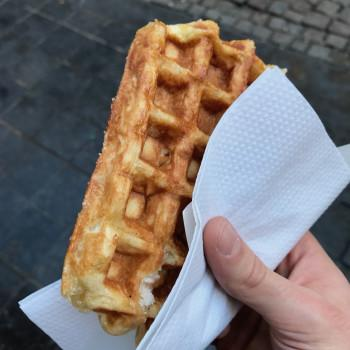Waffle in Brussels (photo)